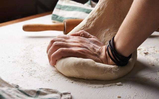 Jak upiec chleb bezglutenowy? Prosty przepis, który musisz sprawdzić